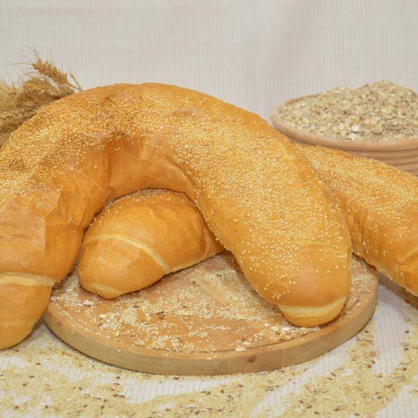 szezámmagos kifli, papp pékség, pékáru, mezőkövesd